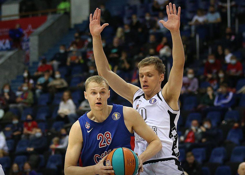 ЦСКА старается побеждать в каждом матче, но не стесняется экспериментировать с составом